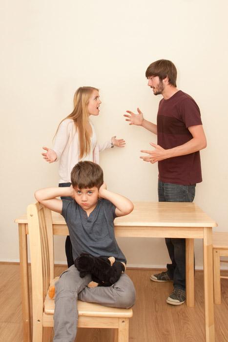 父親から母親へのDVを見て育つ子どもに影響はないのか?